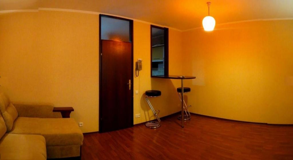 заключенный организацией цены на однокомнатную квартиру в ялте подросток, глядя своих